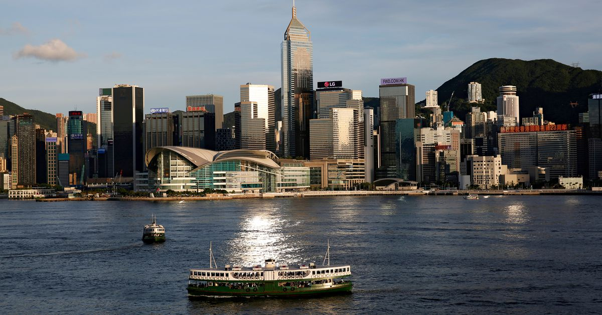 Global banks in Hong Kong push to get staff back to office