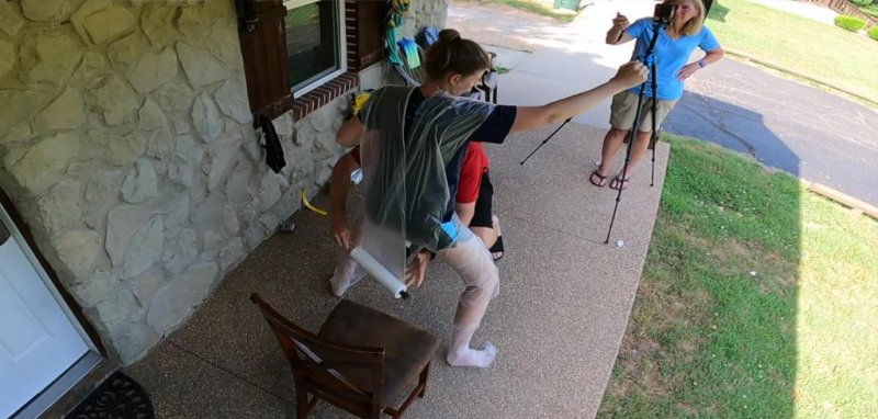 Man recaptures world record for wrapping wife in plastic wrap